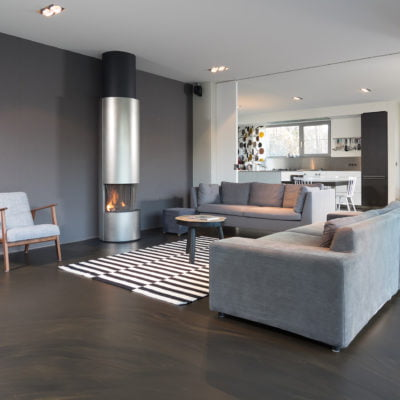 Seamless luxurious floor with warm natural tones – Bolidtop FiftyFifty